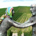 Zum Schmunzeln: Kunst am Strümpfelbacher Skulpturenweg